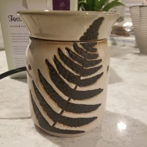 Scentsy Fossil Fern Warmer NEW Retired